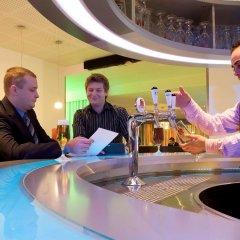 Отель Novotel Zurich Airport Messe гостиничный бар