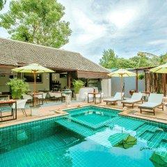 Отель Baan Khao Hua Jook бассейн