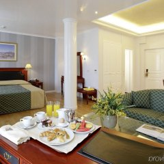 Theoxenia Palace Hotel в номере