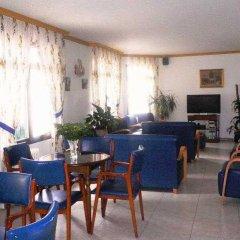 Отель La Noyesa гостиничный бар
