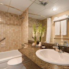 Отель Best Western Plus Chateau Granville Hotel & Suites Канада, Ванкувер - отзывы, цены и фото номеров - забронировать отель Best Western Plus Chateau Granville Hotel & Suites онлайн ванная