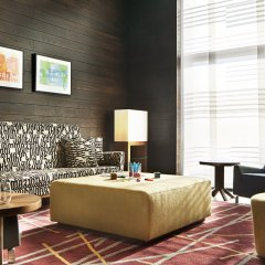 Отель Aloft London Excel сауна