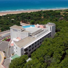 Hotel Costa Conil by Fuerte Group пляж