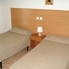 Отель Pensión Santa Fe Испания, Фуэнхирола - отзывы, цены и фото номеров - забронировать отель Pensión Santa Fe онлайн комната для гостей