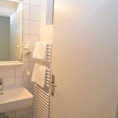 Отель Gästehaus Im Priesterseminar Salzburg Зальцбург ванная фото 2