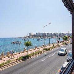 Отель Saint Julian's - Spinola Bay Apartment Мальта, Сан Джулианс - отзывы, цены и фото номеров - забронировать отель Saint Julian's - Spinola Bay Apartment онлайн пляж фото 2