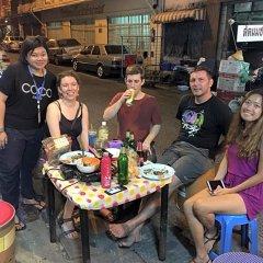 Zee Thai Hostel Бангкок помещение для мероприятий