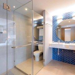 Oakwood Hotel Journeyhub Phuket ванная