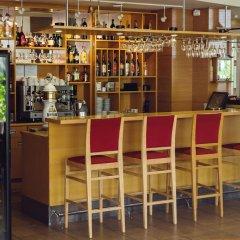 Отель Perkuno Namai Hotel Литва, Каунас - 2 отзыва об отеле, цены и фото номеров - забронировать отель Perkuno Namai Hotel онлайн гостиничный бар