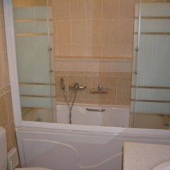 Отель Anemomilos Suites Греция, Остров Санторини - отзывы, цены и фото номеров - забронировать отель Anemomilos Suites онлайн ванная