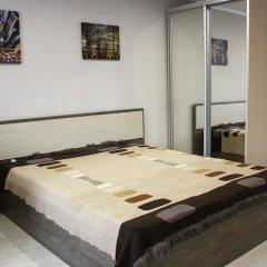 Апартаменты Dobrye Sutki Apartment on Krasnoarmeyska комната для гостей