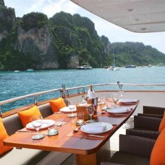 Отель Victory Luxury Motor Yacht питание