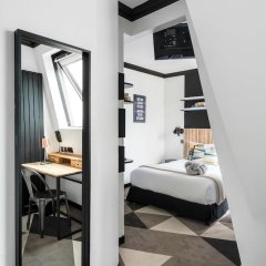 Отель Innova Франция, Париж - 1 отзыв об отеле, цены и фото номеров - забронировать отель Innova онлайн сейф в номере