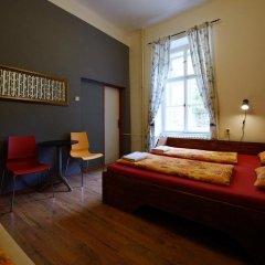 Отель Hostel Elf Чехия, Прага - отзывы, цены и фото номеров - забронировать отель Hostel Elf онлайн комната для гостей фото 3
