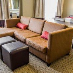 Отель Comfort Suites Sarasota - Siesta Key комната для гостей