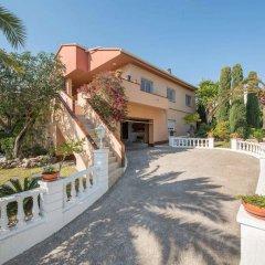 Отель Villa Amparo парковка