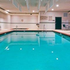 Отель Country Inn & Suites Effingham бассейн фото 3