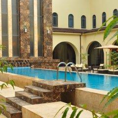 Отель Radisson Hotel, Lagos Ikeja Нигерия, Лагос - отзывы, цены и фото номеров - забронировать отель Radisson Hotel, Lagos Ikeja онлайн бассейн фото 3