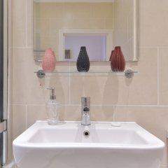 Отель Churchill Nike Apartments Великобритания, Лондон - отзывы, цены и фото номеров - забронировать отель Churchill Nike Apartments онлайн ванная фото 3