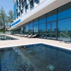 Отель TRYP Lisboa Aeroporto Hotel Португалия, Лиссабон - 9 отзывов об отеле, цены и фото номеров - забронировать отель TRYP Lisboa Aeroporto Hotel онлайн бассейн фото 2