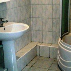 Гостиница Спортивная в Волочаевском отзывы, цены и фото номеров - забронировать гостиницу Спортивная онлайн Волочаевское ванная