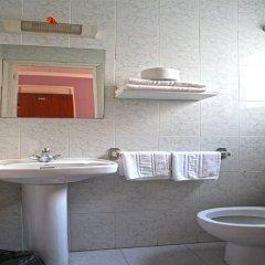 Отель Hostal Miranda Испания, Бланес - отзывы, цены и фото номеров - забронировать отель Hostal Miranda онлайн ванная