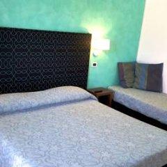 Hotel Ghirlandina сейф в номере