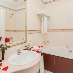 Гостиница Гранд-отель «Тянь-Шань» Казахстан, Алматы - 2 отзыва об отеле, цены и фото номеров - забронировать гостиницу Гранд-отель «Тянь-Шань» онлайн ванная