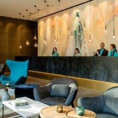 Отель Motel One Köln-Neumarkt Германия, Кёльн - отзывы, цены и фото номеров - забронировать отель Motel One Köln-Neumarkt онлайн интерьер отеля фото 2