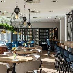 Отель NH Amsterdam Centre гостиничный бар