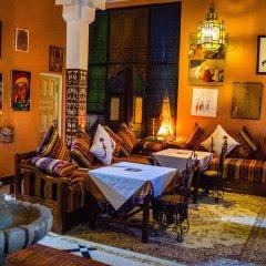 Отель Le Petit Riad Марокко, Уарзазат - отзывы, цены и фото номеров - забронировать отель Le Petit Riad онлайн интерьер отеля