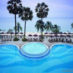 Отель Pullman Pattaya Hotel G Таиланд, Паттайя - 9 отзывов об отеле, цены и фото номеров - забронировать отель Pullman Pattaya Hotel G онлайн бассейн фото 2