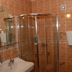 Отель Stari Krovovi Сербия, Нови Сад - отзывы, цены и фото номеров - забронировать отель Stari Krovovi онлайн ванная