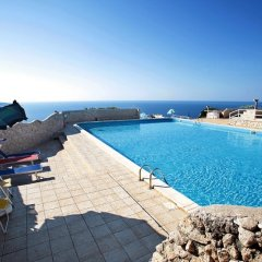 Отель La Vela, Pool Residence Гальяно дель Капо бассейн фото 2