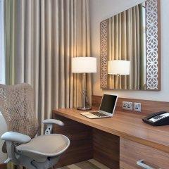 Отель Hilton Garden Inn Dubai Al Muraqabat Дубай удобства в номере