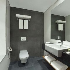 Отель TRYP by Wyndham Dubai ОАЭ, Дубай - 5 отзывов об отеле, цены и фото номеров - забронировать отель TRYP by Wyndham Dubai онлайн ванная фото 2