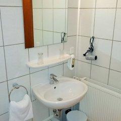 Отель Hotel Petersburg Германия, Дюссельдорф - отзывы, цены и фото номеров - забронировать отель Hotel Petersburg онлайн ванная фото 2