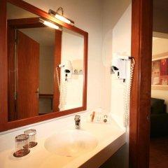 Отель Madanis Apartamentos ванная