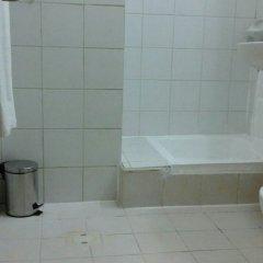 Отель Al Raien Hotel Apartment ОАЭ, Дубай - отзывы, цены и фото номеров - забронировать отель Al Raien Hotel Apartment онлайн ванная