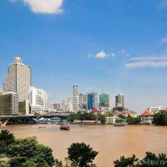 Отель Ibis Bangkok Riverside парковка