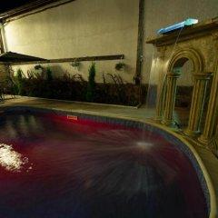 Отель Guesthouse Versailles Болгария, Шумен - отзывы, цены и фото номеров - забронировать отель Guesthouse Versailles онлайн бассейн фото 2