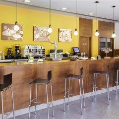 Отель Exe Barcelona Gate гостиничный бар