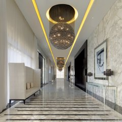 Отель Le Meridien Dubai Hotel & Conference Centre ОАЭ, Дубай - отзывы, цены и фото номеров - забронировать отель Le Meridien Dubai Hotel & Conference Centre онлайн интерьер отеля фото 2