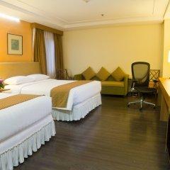 Отель Makati Crown Regency Hotel Филиппины, Макати - отзывы, цены и фото номеров - забронировать отель Makati Crown Regency Hotel онлайн комната для гостей фото 5