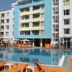 Отель Yassen Apartments Болгария, Солнечный берег - отзывы, цены и фото номеров - забронировать отель Yassen Apartments онлайн бассейн