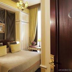 Hotel Napoleon комната для гостей