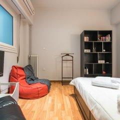 Отель Cozy Athenian Apartment Греция, Афины - отзывы, цены и фото номеров - забронировать отель Cozy Athenian Apartment онлайн комната для гостей фото 3