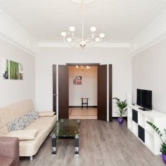 Апартаменты LUXKV Apartment on Zemlyanoy Val 52 комната для гостей фото 5