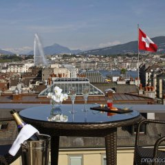 Отель Warwick Geneva балкон