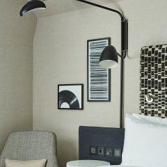 London Marriott Hotel Maida Vale сейф в номере